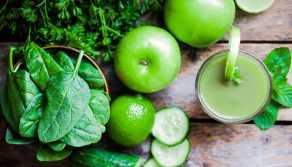 zumo verde con Aceite de Oliva Virgen Extra ecológico Goya