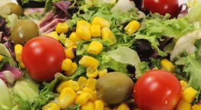 Ensalada tomate con aceite de oliva virgen extra Goya