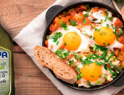 Eggs with tomatoes | guiso de huevos con tomates